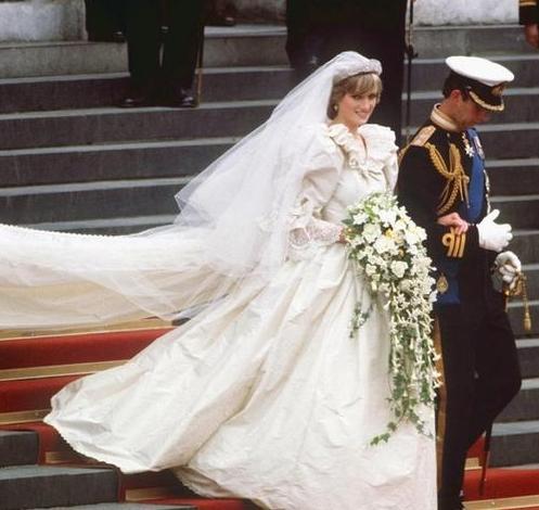 kate-middleton-engaged-prince-william-fidanzamento-felice