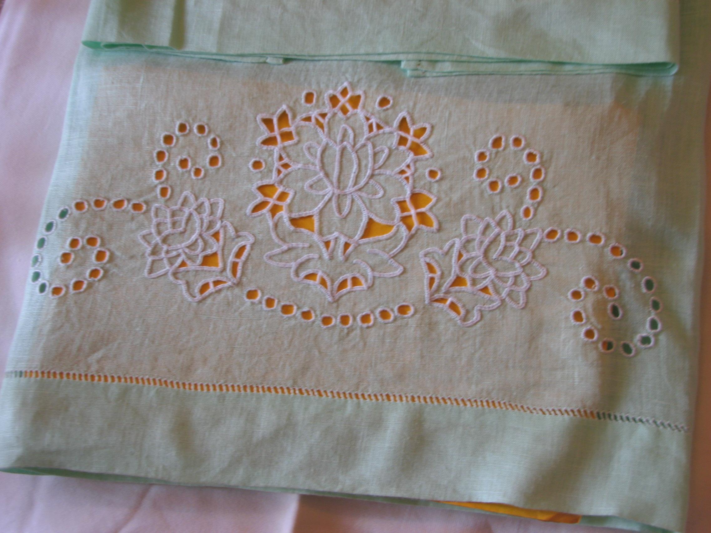 Ricamo italiano italian embroidery guest post by maria for Ricamo a macchina