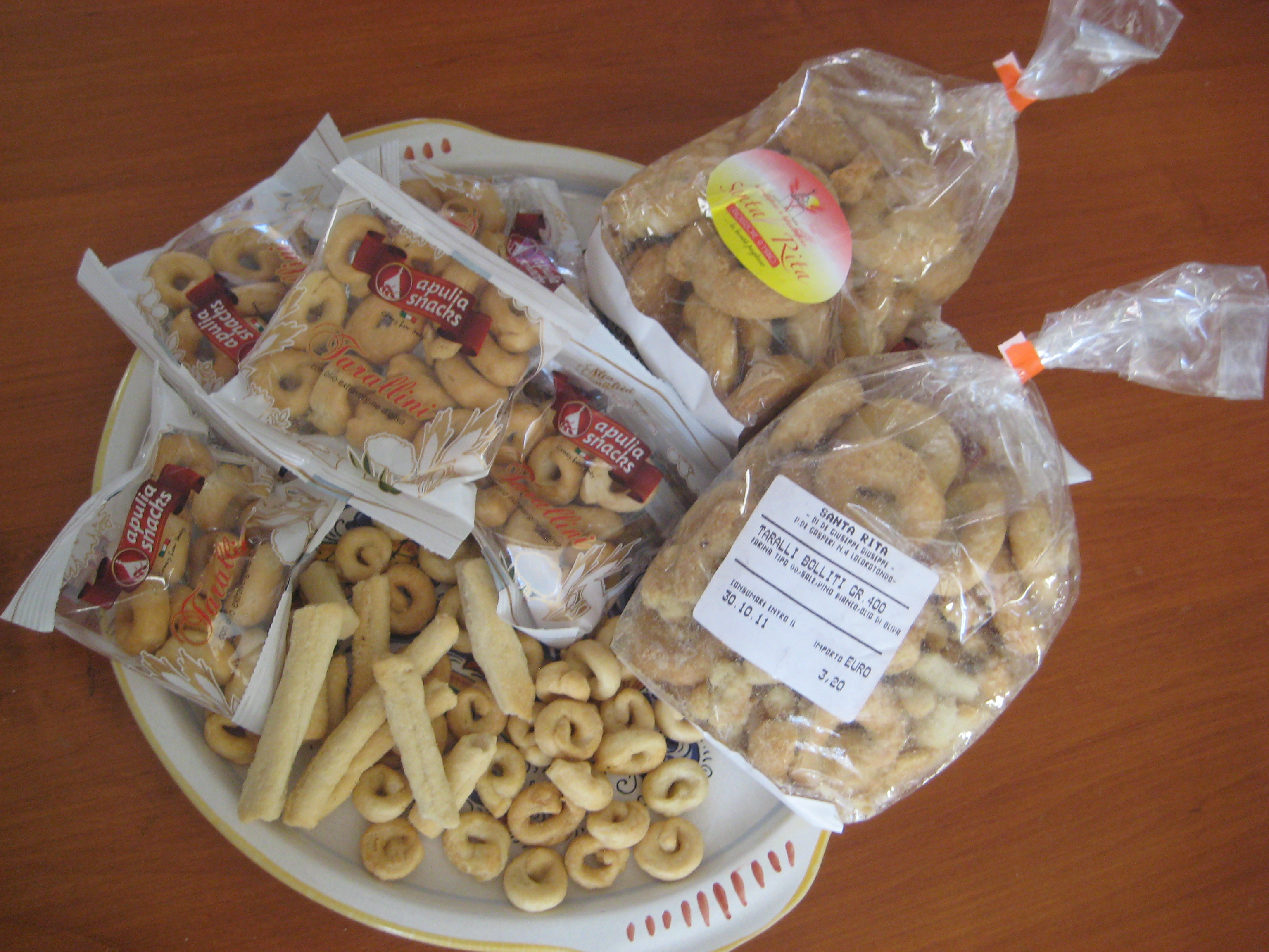 taralli-specialita-puglia-italian-crackers-snack-food-recipe